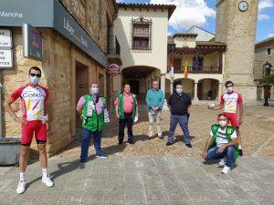 Los ciclistas hermanos Herrada apoyan el regreso del juego solidario de la ONCE