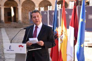 El Gobierno regional contratará a 3.000 docentes y pondrá en marcha una campaña de promoción turística dotada con 3 millones de euros