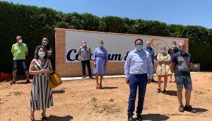 Prieto pide a la Junta su implicación para amparar a las más de 2.500 personas que trabajan en el sector del champiñón en Iniesta