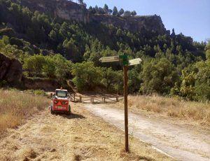El Ayuntamiento de Cuenca y la empresa FCC limpian y desbrozan el camino de Las Grajas