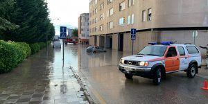 Bomberos, Protección Civil, Policía Local y Agentes de Movilidad intervienen en Cuenca en una veintena de incidentes a causa de la fuerte tormenta