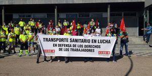 Concentración a las puertas del Hospital Virgen de la Luz en la tercera semana de huelga de ambulancias