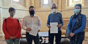 El Ayuntamiento de Brihuega y Caritas Diocesana Sigüenza-Guadalajara firman un convenio de colaboración destinado a los jóvenes del IESO Briocense