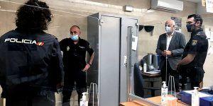 El subdelegado del Gobierno en Cuenca felicita a la Policía Nacional con motivo de celebrar el día de su Patrón