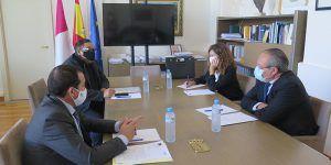 La Federación Regional de Peluquerías y Centros de Estética solicita al consejero de Hacienda y al delegado del Gobierno apoyos para la reducción del tipo de iva