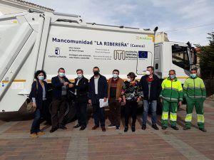 La Junta colabora con la Mancomunidad de Servicios La Ribereña en la compra de un camión para la recogida selectiva de residuos