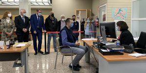 La Junta hace accesible la Oficina de Información y Registro de Guadalajara para personas con discapacidad auditiva