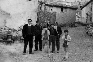 MURIEL. La plaza. Ángel, Paco, Javier, Francisco, Casimiro y Jesús. Años 70