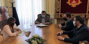 Ayuntamiento y AJE Cuenca firman su convenio de colaboración dotado con 5.000 euros