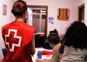 Cruz Roja Cuenca insta a la sociedad a hacer voluntariado a través de una innovadora serie de televisión