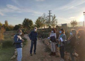 El Club de Lectura del Campus de Albacete visita el Jardín Botánico tras el rastro de Don Quijote