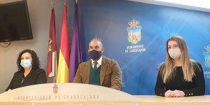 El PP en el Ayuntamiento de Guadalajara propone fomentar las compras en el comercio local con la creación del cheque 'ComprasXGuada' para empadronados