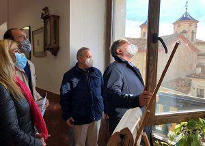 En marcha la sustitución de medio centenar de ventanas en el colegio 'El Carmen'  de Cuenca
