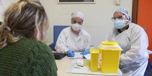 Miércoles 11 de noviembre Un fallecido en Cuenca a causa del coronavirus y nuevo aluvión de contagios mientras Guadalajara sigue a la baja