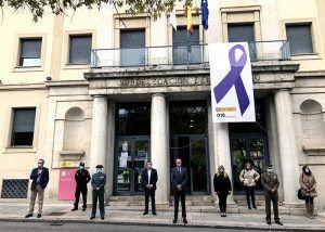 Minuto de silencio en la Subdelegación del Gobierno en Cuenca en memoria de las víctimas de la violencia sobre la mujer
