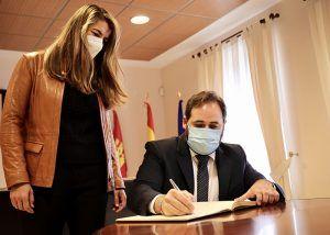 Núñez avanza que el PP-CLM incluirá enmiendas a los presupuestos de la Junta para reforzar la financiación de los ayuntamientos de Castilla-La Mancha