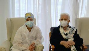 Araceli Rosario Hidalgo, la primera persona vacunada en España del Covid