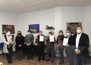 El Ayuntamiento de Cuenca reconoce a los voluntarios de la UDP que dedican su tiempo a acompañar a otros mayores