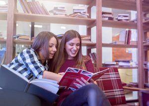 En torno a 4.000 alumnas y alumnos de la región realizarán por primera vez de forma gratuita las pruebas para obtener el certificado B1 en idiomas