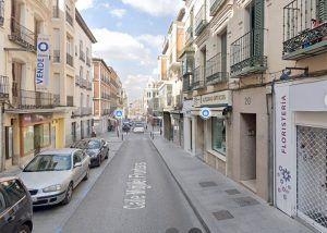 La calle Miguel Fluiters permanecerá cerrada al trafico este miércoles por la instalación de una decoración especial navideña