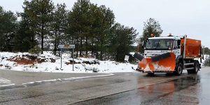 La Diputación de Cuenca moviliza 7 camiones quitanieves y 4 máquinas para actuar en la red de carreteras provinciales
