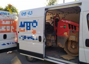 La Guardia Civil detiene a una persona por robar un rodillo compactador en Cabanillas del Campo