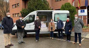 La Junta entrega más de 200 kilos de miel de las colmenas del Centro de Investigación Apícola a Cáritas y Cruz Roja