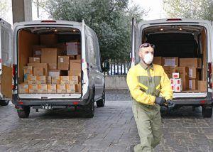 La Junta ha distribuido esta semana cerca de 450.000 artículos de protección para profesionales sanitarios
