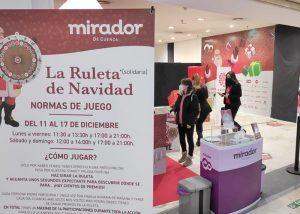 La Navidad del Mirador arranca con la donación de 1.000 euros a Cáritas Cuenca y 5.000 euros más en premios directos para sus clientes