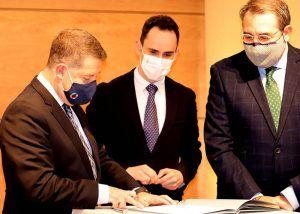 Page y Salinas firman un acuerdo que retoma el proyecto de un nuevo Centro de Salud para Cabanillas