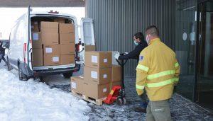 El Gobierno regional ha distribuido esta semana cerca de 700.000 de artículos de protección para profesionales sanitarios