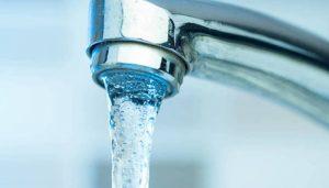Huete recupera poco a poco el suministro de agua pero la lista de roturas en la red es tremenda