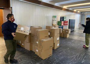 La Junta ha repartido esta semana cerca de otro medio millón de artículos de protección para profesionales sanitarios