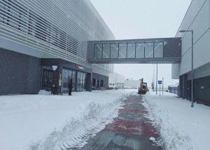 Montepino ayuda en los trabajos de limpieza de nieve y hielo en polígonos de Guadalajara