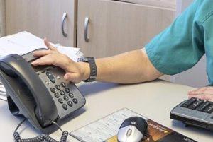 UGT denuncia que el SESCAM agiliza la gestión de las llamadas en busca de profesionales sin haber actualizado los listados de la Bolsa de Trabajo