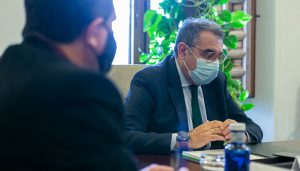 Castilla-La Mancha regula las visitas a las residencias de mayores siempre que el centro esté libre de COVID-19
