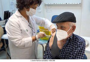Comienza en Guadalajara la vacunación a personas mayores de 95 años, grandes dependientes y personas que les atienden como cuidadoras