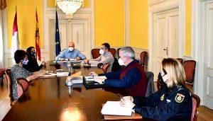 El subdelegado del Gobierno en Cuenca preside la reunión de evaluación del Plan Director de Centros Educativos