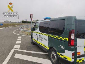 La Guardia Civil notifica al conductor de un camión que circulaba por la Autovía del Nordeste 14 infracciones en materia de transporte en carretera
