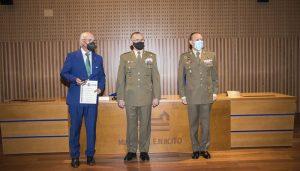 Miguel Romero recibe la credencial de embajador marca Ejército por Cuenca en el Alcázar de Toledo