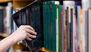 Un total de 570 profesionales de Castilla-La Mancha recibirán cursos para potenciar la oferta de servicios telemáticos en las bibliotecas de la región