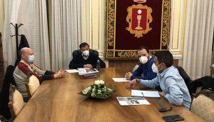 Dolz se compromete con la Asociación de Usuarios AVE Cuenca a solicitar mejoras en los servicios