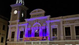 El Ayuntamiento de Guadalajara se ilumina  de morado por primera vez en la historia con motivo del Día Internacional de la Mujer