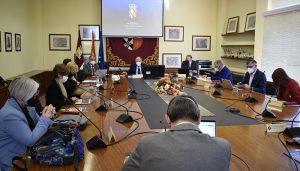 El Consejo Social de la UCLM apoya la convocatoria de becas para situaciones especiales del estudiantado