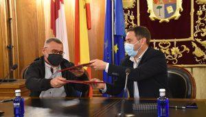 La Diputación de Cuenca y la Asociación de Artesanos Conquenses firman el convenio de cesión de la Casa del Curato