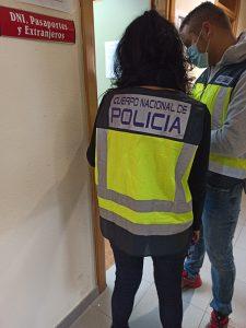 La Policía Nacional refuerza el servicio para documentar a ciudadanos comunitarios que trabajen en campañas agrícolas de Guadalajara