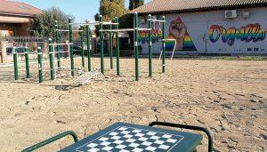 Villanueva de la Torre estrena parque deportivo de calistenia en la Zona Joven