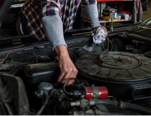 ¿Cómo comprar recambios económicos para reparar los coches