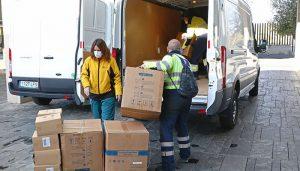 El Gobierno regional continúa distribuyendo artículos de protección en los centros sanitarios con más de 300.000 durante esta semana