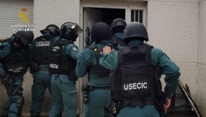"""La Guardia Civil desmantela una plantación de marihuana """"indoor"""" en Fuentenovilla"""